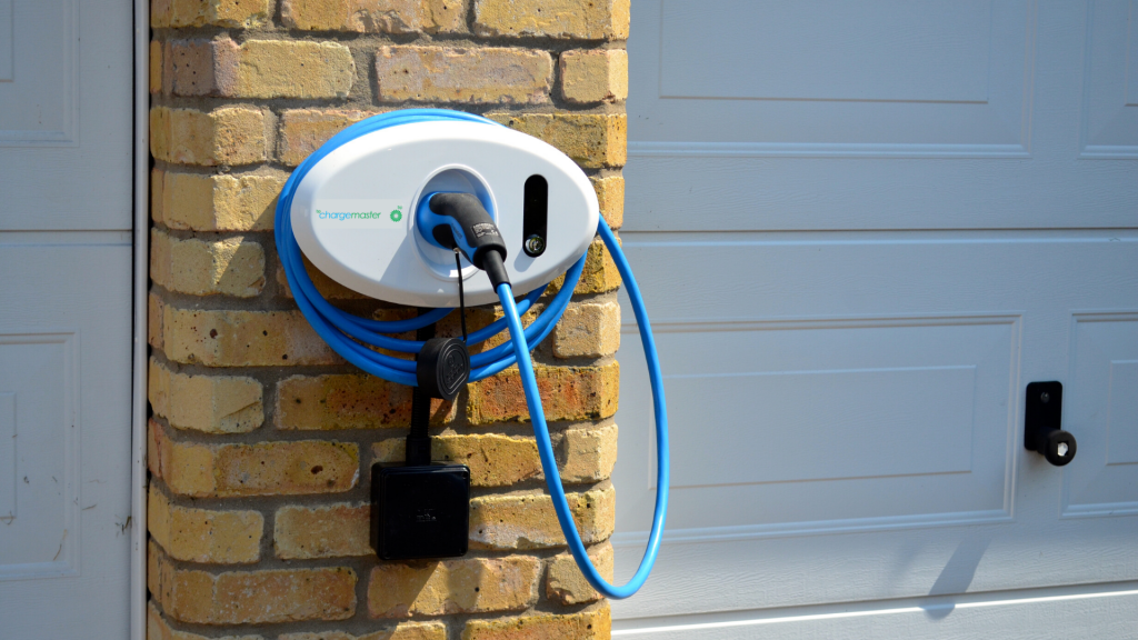 BP Chargemaster tethered Homecharge unit